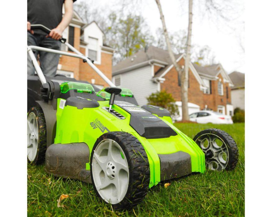 40v cordless mower on grass