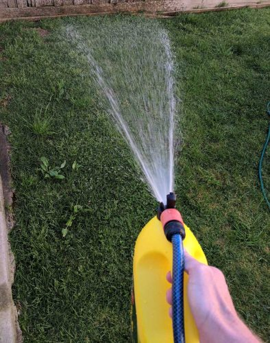 hose on weed and feed