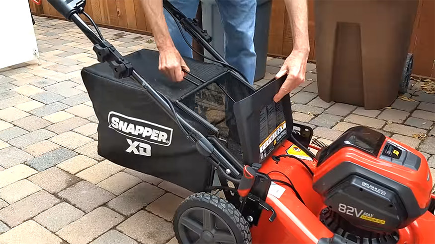 snapper 82v lawn catcher