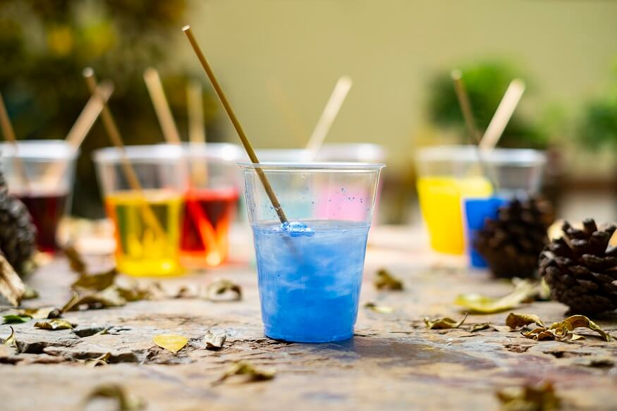 epoxy resin blue color in a cup