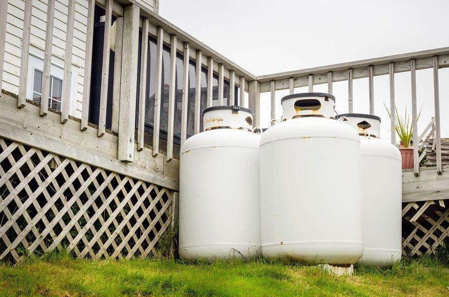 3 pieces of propane cylinders