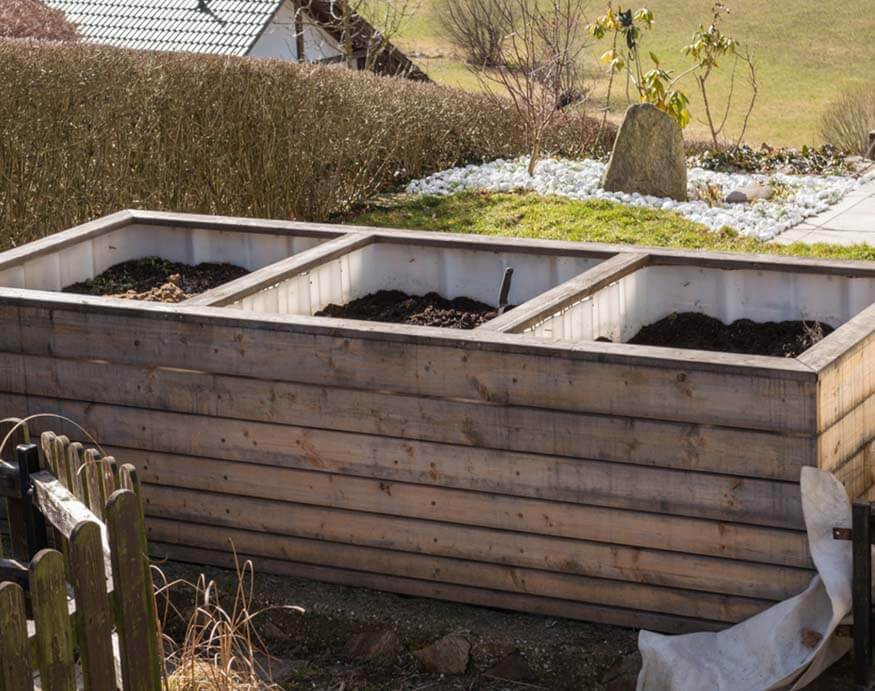 empty divided and raised hot beds for greenhouse heating