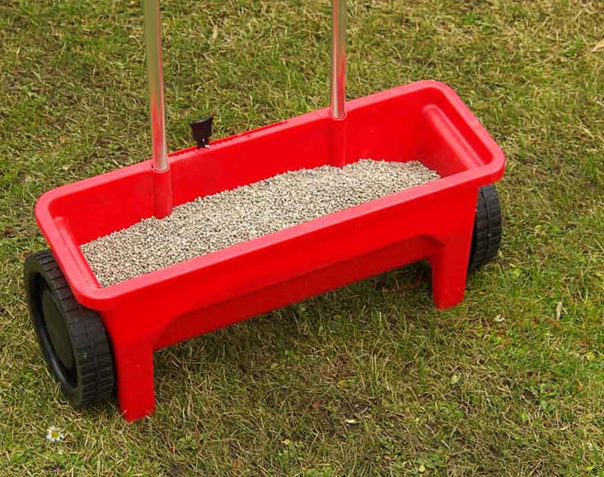 top view picture of fertilizer spreader