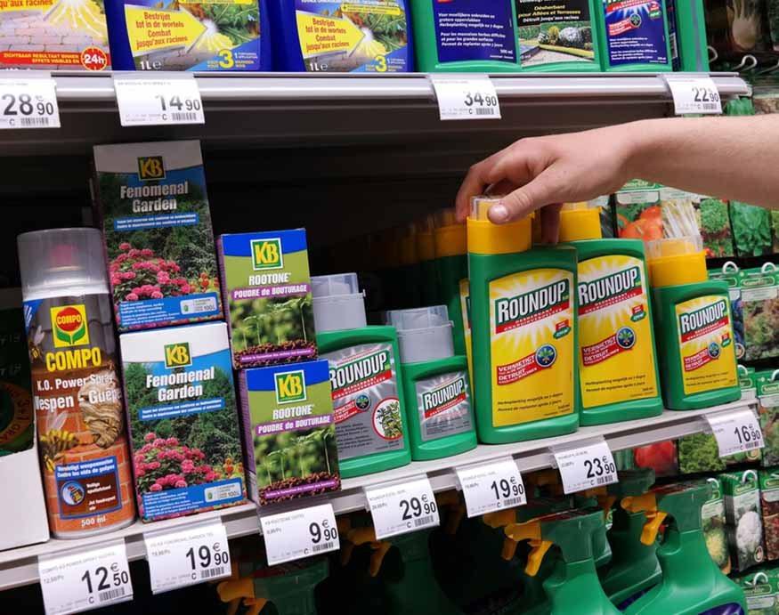 grocery aisle with RoundUp products