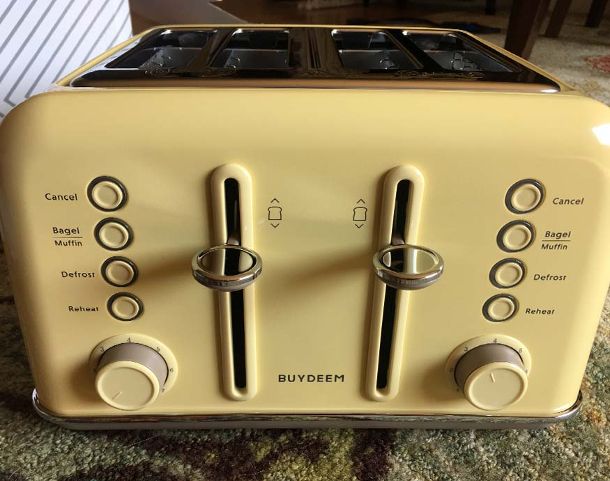control buttons of the Buydeem 4-Slice Toaster