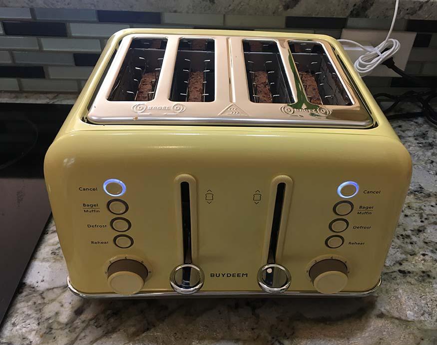 Buydeem 4-Slice Toaster's independent control system